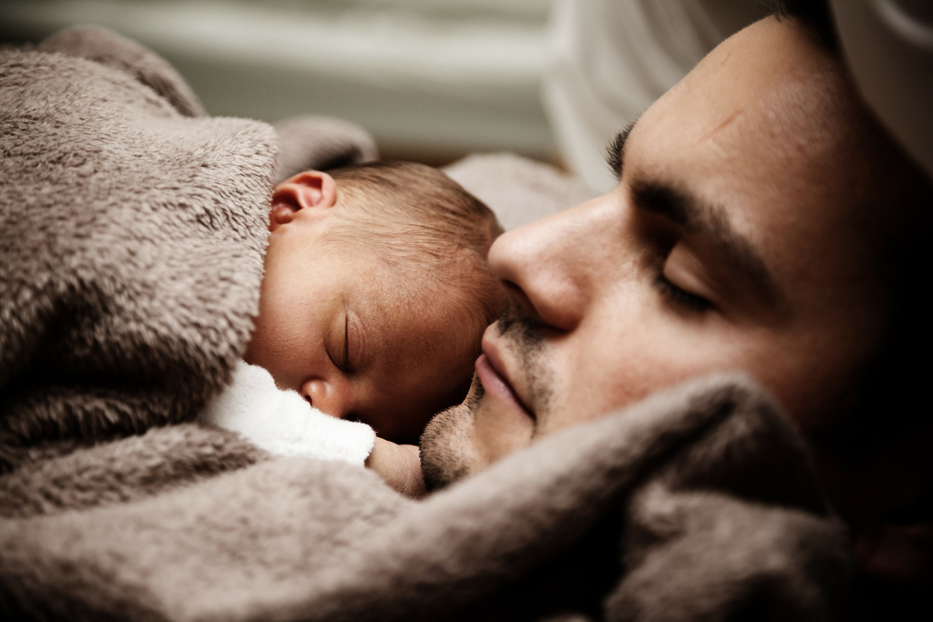 dad-and-baby-22194_1920
